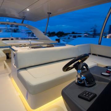 Rental Motorboat in Marsh Harbour - Aquila Aquila 44