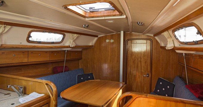 Rental Sailboat in Lidingö - Bavaria Bavaria 30 Cruiser