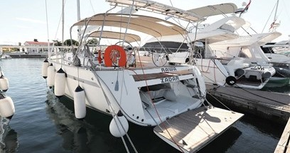 Rental Sailboat in Lidingö - Bavaria Bavaria 55 Cruiser