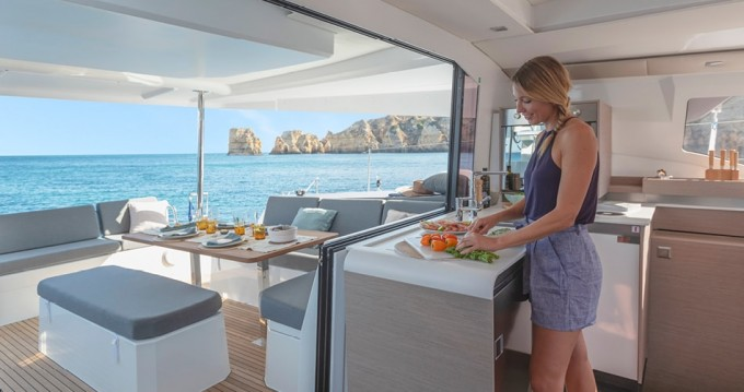 Rental yacht Athens - Fountaine Pajot Fountaine Pajot New 45 - 4 + 2 cab. on SamBoat