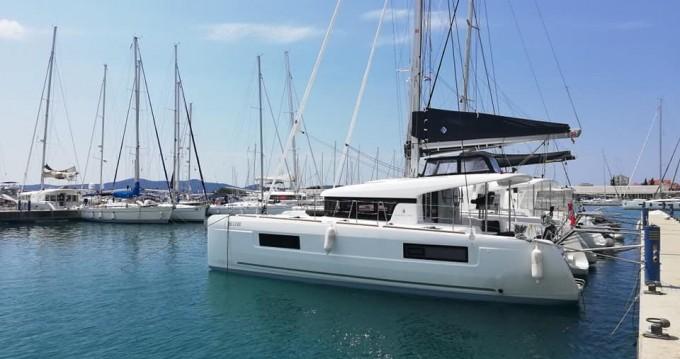 Boat rental Lagoon Lagoon 40 in Seget Donji on Samboat