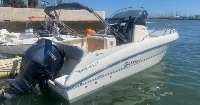 Boat rental Capelli Cap 25 Open in Portimão on Samboat