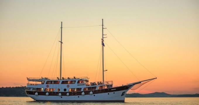 Boat rental Marina-Vinici Cesarica in Split on Samboat