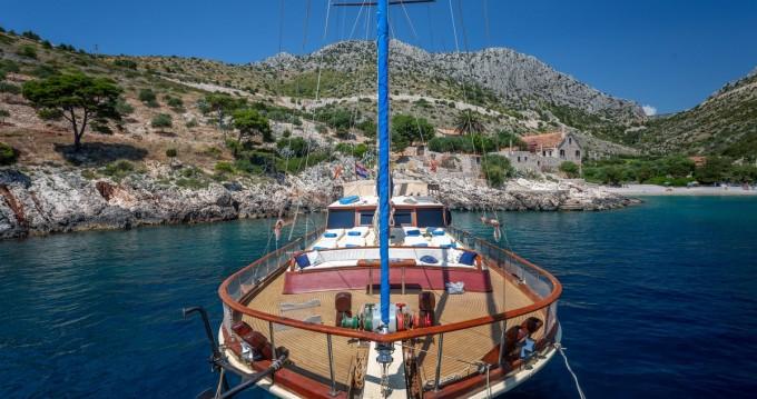 Boat rental Custom Made Eleganza in Split on Samboat