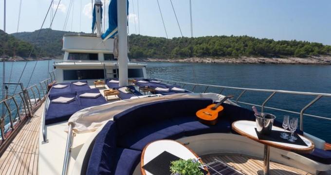 Rental Sailboat in Split - Custom Made Saint Luca