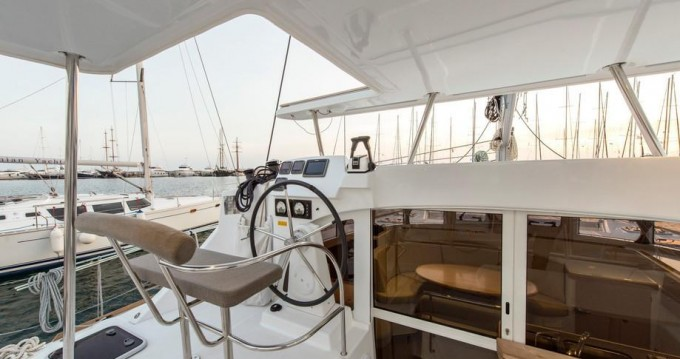 Boat rental Alimos cheap Lagoon 380 S2
