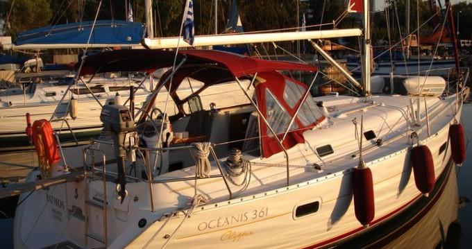 Rental Sailboat in Alimos - Bénéteau Oceanis 361