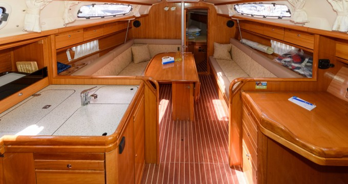 Boat rental Bavaria Bavaria 34 Cruiser - 2 cab. in Trogir on Samboat