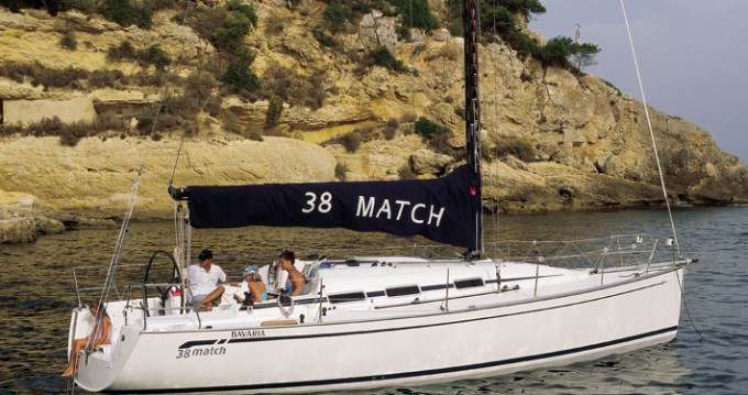 Rental Sailboat in Primošten - Bavaria Bavaria 38 Match - 2 cab.