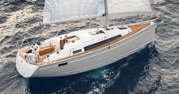 Rent a Bavaria Cruiser 33 Primošten