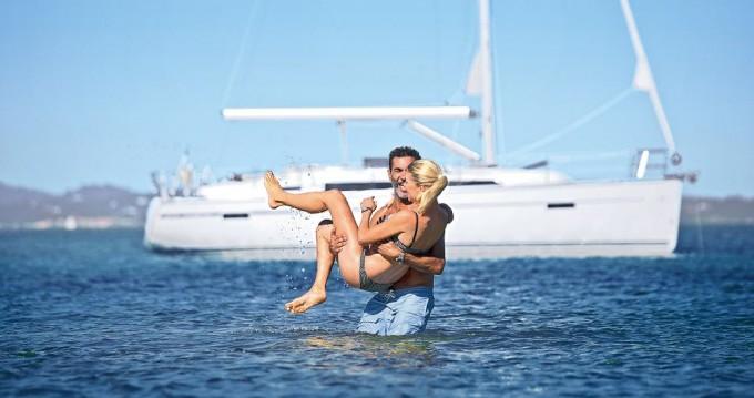 Rental Sailboat in Trogir - Bavaria Cruiser 37