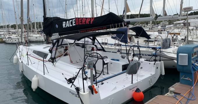 Rental Sailboat Pogo Structures with a permit