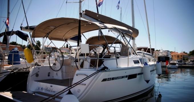 Rental yacht Biograd na Moru - Bavaria Cruiser 34 on SamBoat