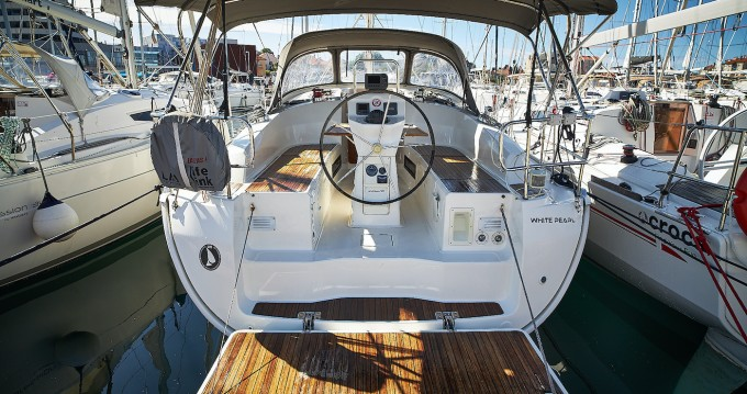 Rent a Bavaria Cruiser 36 Biograd na Moru