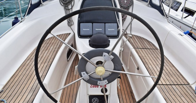 Rental Sailboat in Kaštela - Bavaria Bavaria 33 Cruiser