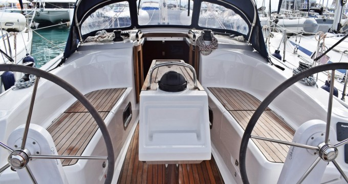 Rental Sailboat in Kaštela - Bavaria Cruiser 34