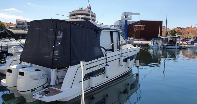Boat rental Jeanneau Merry Fisher 895 in Biograd na Moru on Samboat