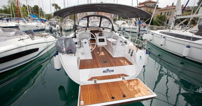 Rental Sailboat in Zadar - Bavaria Bavaria Cruiser 34 Style