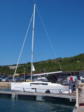 Boat rental Dufour Dufour 360 Grand Large in Primošten on Samboat