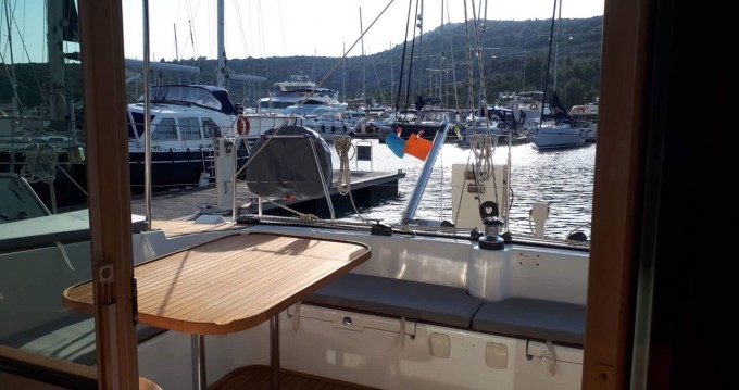 Boat rental Primošten cheap Lagoon 410 - 4 + 2 cab.