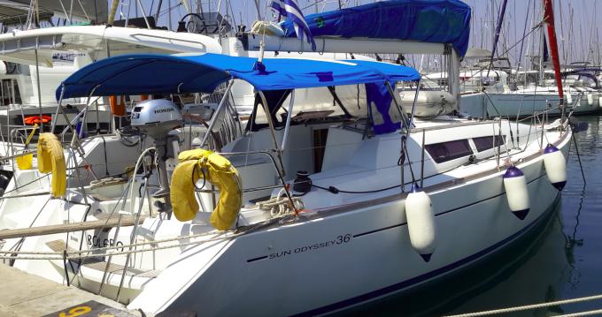 Boat rental Jeanneau Sun Odyssey 36i in Alimos on Samboat