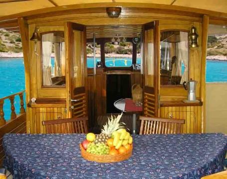 Rental Motorboat in Zadar - Custom Made Yacht LUKA