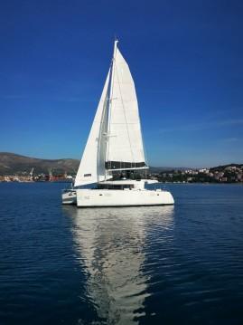 Rental Catamaran in Seget Donji - Lagoon Lagoon 450 F