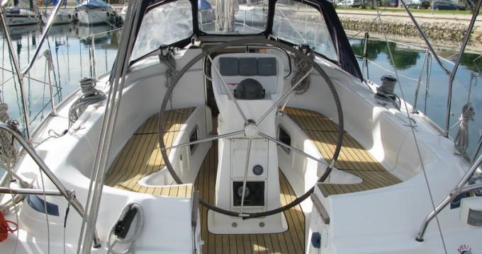 Boat rental Bavaria Bavaria 36 in Punat on Samboat