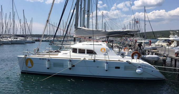 Hire Catamaran with or without skipper Lagoon Punat
