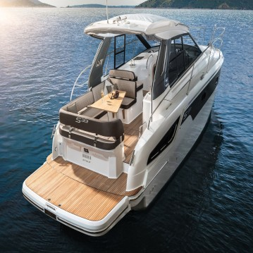 Boat rental Bavaria Bavaria 33 Sport HT in Biograd na Moru on Samboat