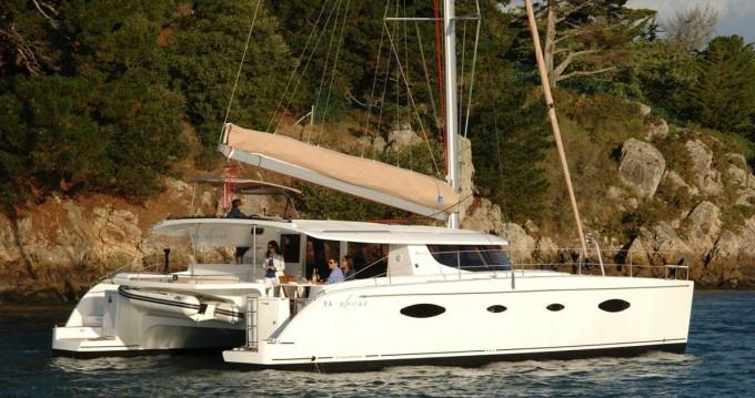 Rental Catamaran in Alimos - Fountaine Pajot Salina 48