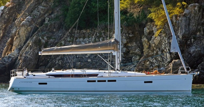 Jeanneau Sun Odyssey 519 between personal and professional Alimos