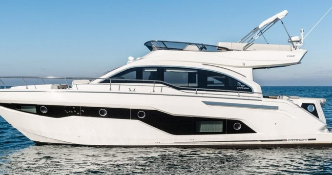 Hire Motorboat with or without skipper Cranchi Split