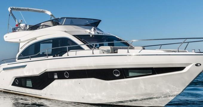 Boat rental Cranchi Cranchi E 52 F Evoluzione in Split on Samboat