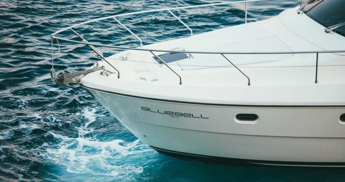 Boat rental Ferretti Ferretti Yachts 460i in Podstrana on Samboat