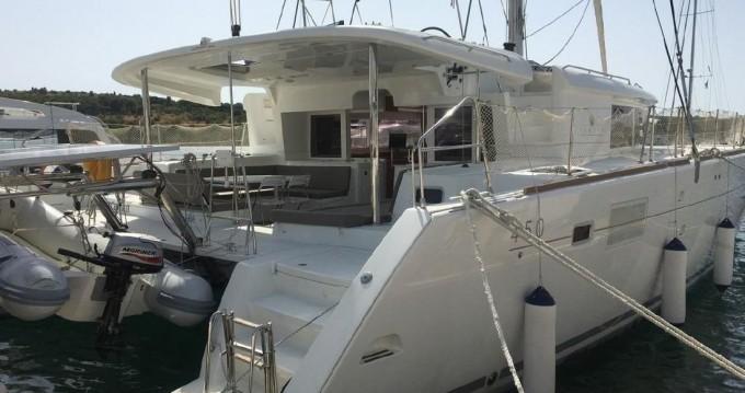 Boat rental Lagoon Lagoon 450 F in Trogir on Samboat