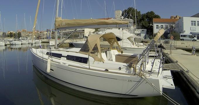 Boat rental Dufour Dufour 335 GL in Šibenik on Samboat