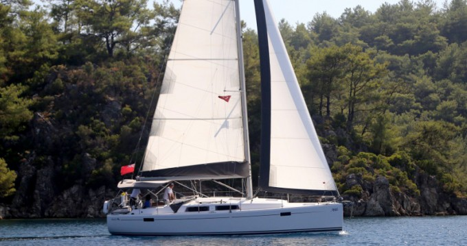 Boat rental Hanse Hanse 385 in Šibenik on Samboat