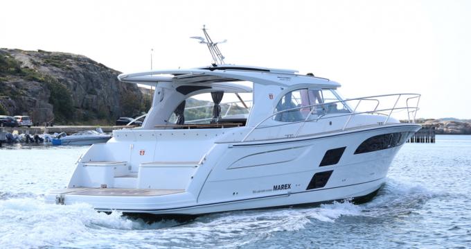 Marex Marex 360 Cabriolet Cruiser between personal and professional Šibenik