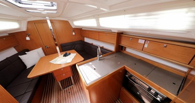 Rent a Bavaria Cruiser 34 Biograd na Moru