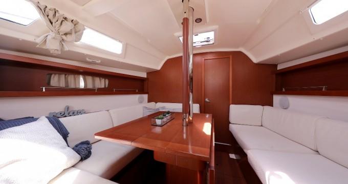 Rental Sailboat in Šibenik - Bénéteau Oceanis 34