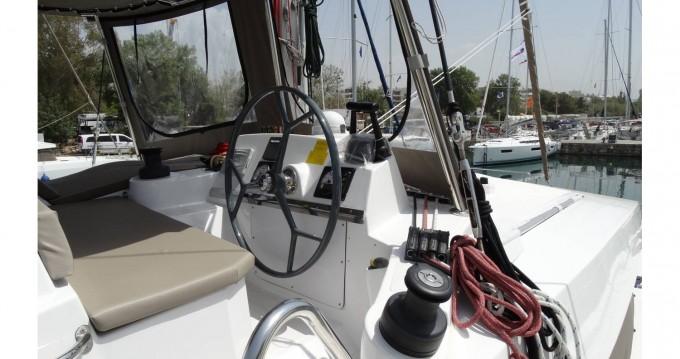 Boat rental Catana Bali 4.1 - 4 + 2 cab. in Alimos on Samboat