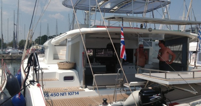 Rental Catamaran in Alimos - Lagoon Lagoon 450