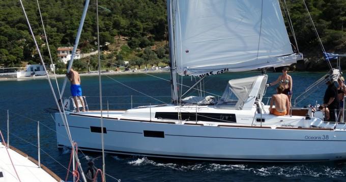 Bénéteau Oceanis 38 between personal and professional Lefkada (Island)
