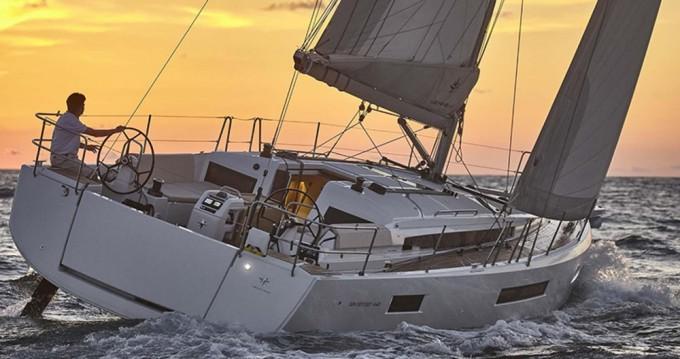 Boat rental Alimos cheap Sun Odyssey 440