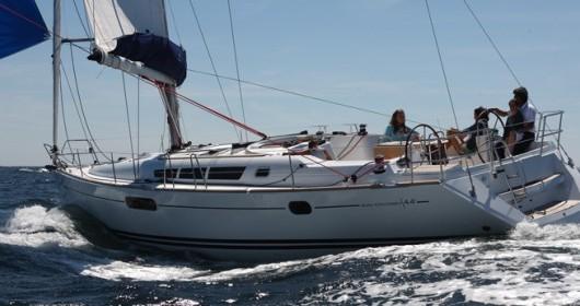 Boat rental Jeanneau Sun Odyssey 44i in Alimos on Samboat
