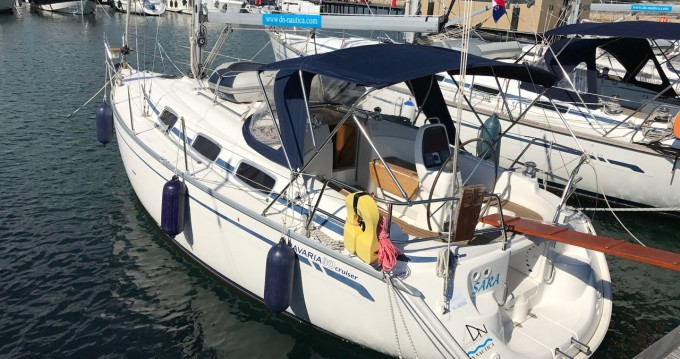 Rental Sailboat in Punat - Bavaria Bavaria 30 Cruiser