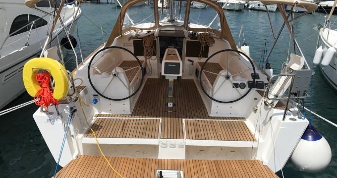 Boat rental Dufour Dufour 382 GL in Punat on Samboat