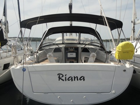 Rental yacht Pula - Hanse Hanse 385 on SamBoat