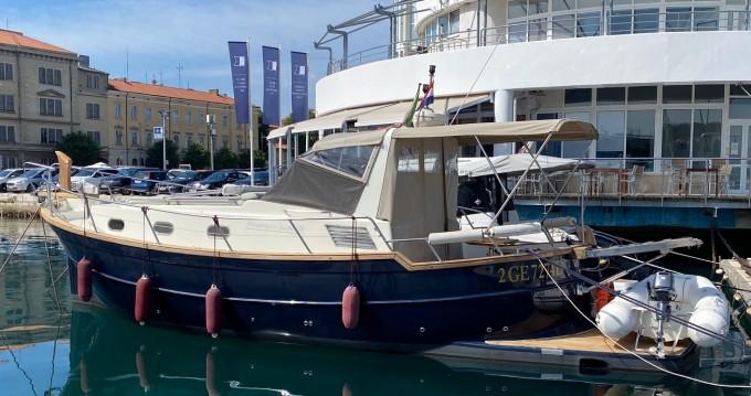 Menorquin-Yachts Menorquin 100 between personal and professional Pula